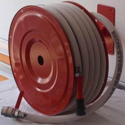 hydrantovy-system-c25-30-s-tvarovo-stalou-hadicou